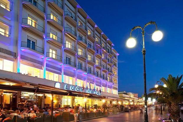 Lucy Hotel στην παραλία της Χαλκίδας